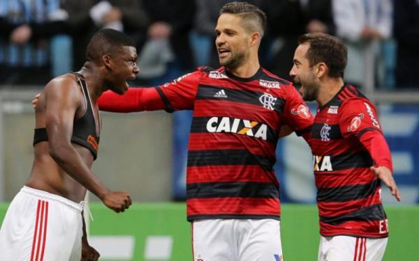 Diego avalia empate na Arena: 'Não é um mau resultado'