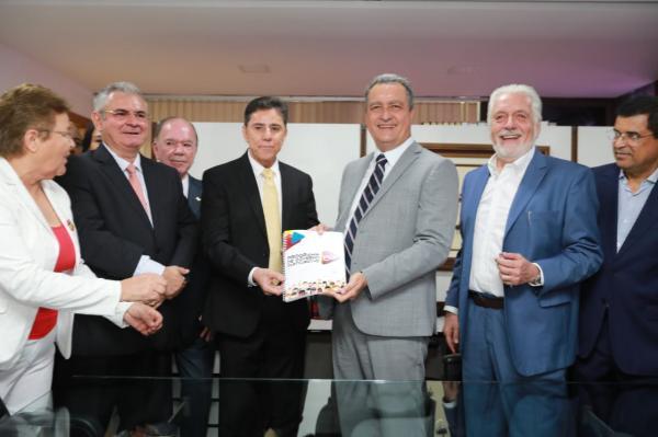 Governador Rui Costa registra candidatura de reeleição.