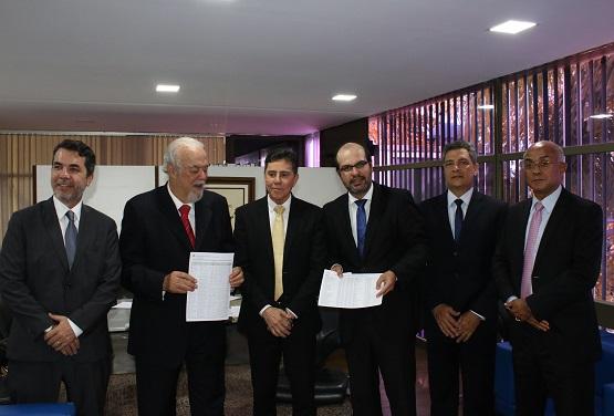 Ex prefeitos de Gandu e de outros municípios da Bahia podem ficar inelegíveis por irregularidades.