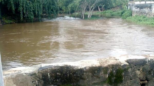 Corpo de jovem é encontrado decapitado no rio em Wenceslau Guimarães