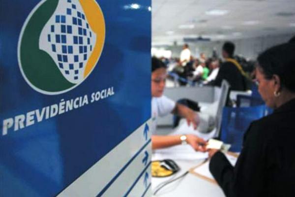 INSS libera consulta à primeira parcela do 13º salário de aposentados.