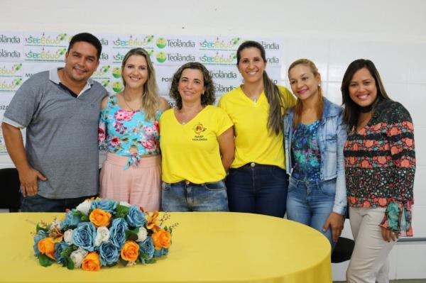 Prefeitura Municipal de Teolândia promove formação para as  merendeiras, agentes de serviços gerais e porteiros.