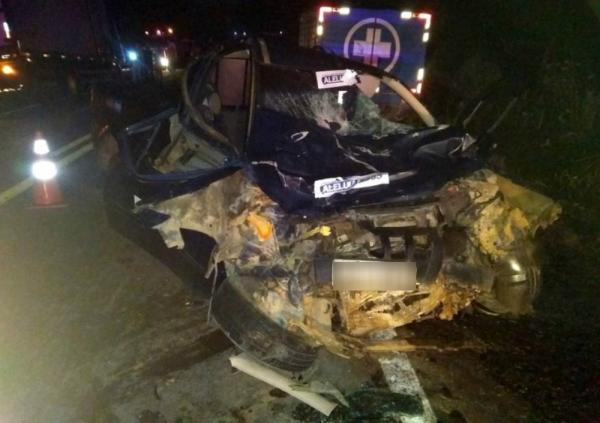 Homem morre na BR-101, após colidir  de frente com caminhão