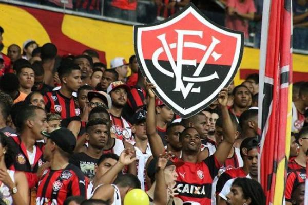 Vitória vence o Vasco por 1 a 0 no Barradão