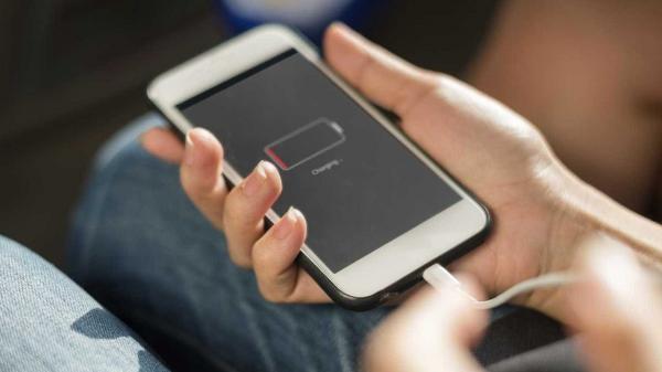 Acessórios não originais são culpados por 50% dos reparos de celular.