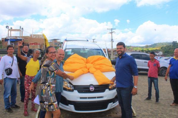 Prefeito de Gandu entrega equipamentos para saúde na ordem de mais de R$ 1 milhão.