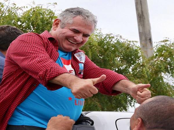 """Angelo Coronel, diz que """"time unido"""" vence eleições"""