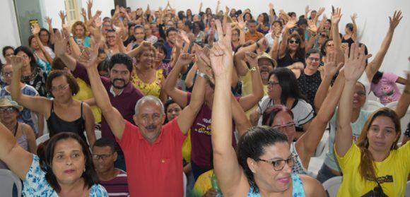 Em Itabuna, professores rejeitam proposta e mantêm greve; 36 dias sem aulas.