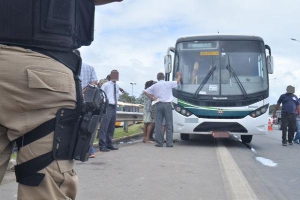 Ônibus intermunicipal é assaltado na rodovia Gandu-Ituberá
