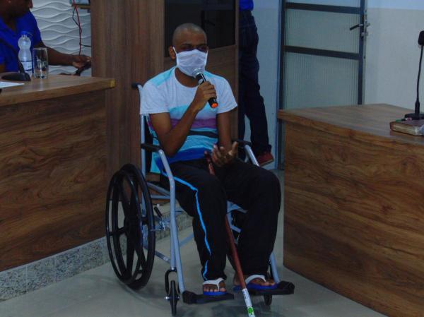 Gandu: Jovem faz apelo para continuar tratamento contra doença rara