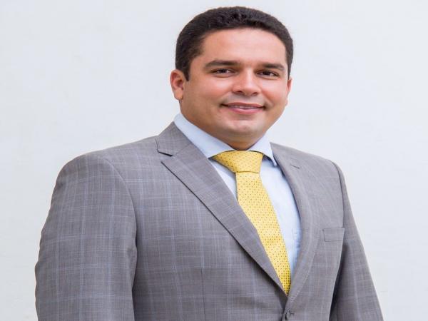 Câmara de vereadores aprova contas do prefeito Lázaro.