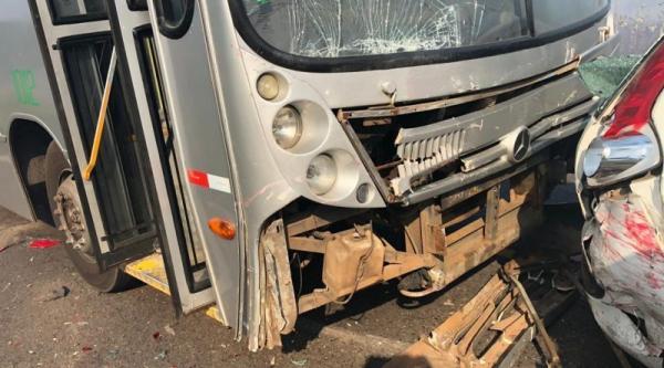 Valença: Colisão envolvendo vários veículos na rodovia de Guaibim