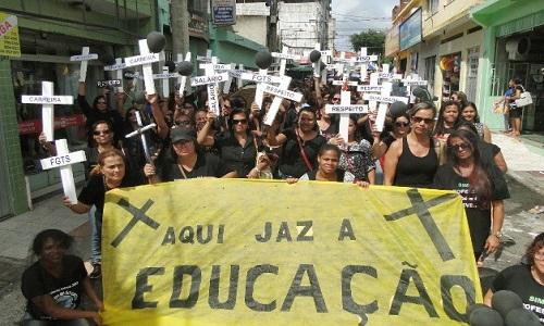 63 dias: Professores de Itabuna decidem continuar em greve