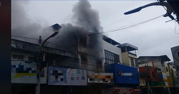 Incêndio destrói diversas lojas na cidade de Itabuna