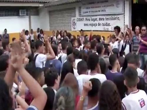 Governo determina fechamento de escolas do ensino fundamental na Bahia