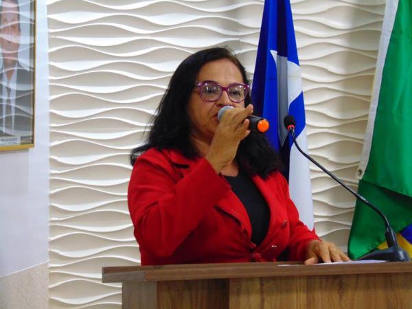 Gandu – Vereadora de oposição desaponta aliados e vota em chapa do prefeito