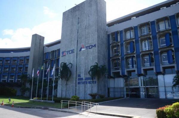 TCM | Ex-prefeito terá que devolver mais de R$ 1 milhão
