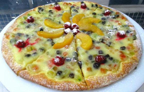 Aprenda a fazer pizza de panetone e surpreenda no Natal