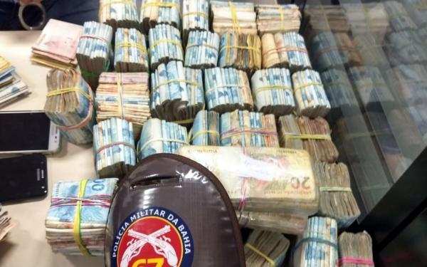 Polícia apreende R$ 364 mil em espécie com dupla em Feira de Santana