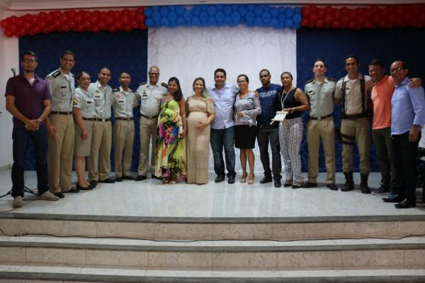 Teolândia: Prefeitura Municipal através da Secretaria Municipal de Educação em parceria com a Polícia Militar realiza a Formatura do PROERD