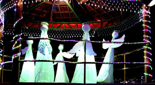Teolândia: Prefeitura realiza ornamentação de Natal