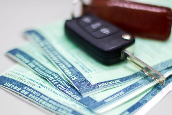 Contribuintes podem pagar IPVA com 10% de desconto até 8 de fevereiro
