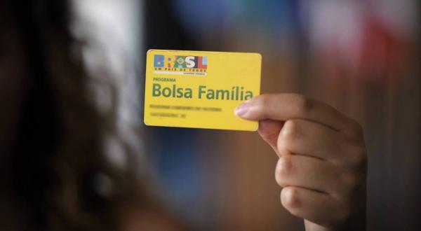 Bolsa Família tem corte de 381 mil beneficiários no mês de janeiro