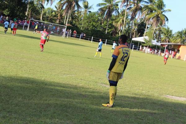 """""""Gandu Futebol Club"""" vence mais uma partida e está nas semifinais da Copa do café em Valença."""
