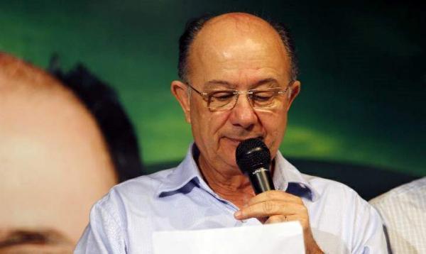 Ex-prefeito, José Ronaldo de Carvalho é multado pelo TCM