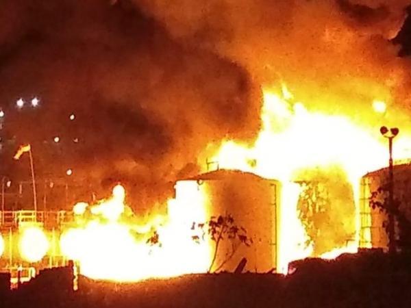 Fabrica é atingida por incêndio na noite desta sexta (22)