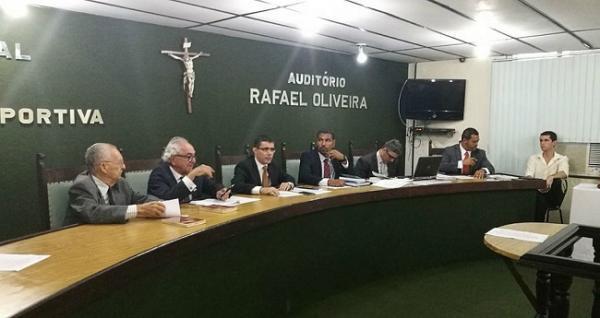 TJD-BA pune seis jogadores, absolve treinador e multa o Vitória
