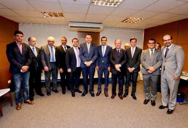 Presidente da ALBA, deputado Nelson Leal, elogia posse do conselheiro Plínio Carneiro Filho no TCM
