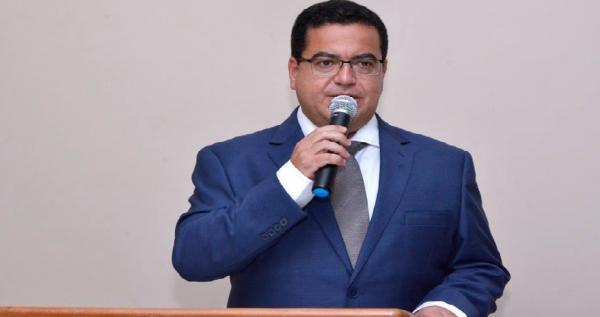 MP notifica prefeito para fazer concurso público
