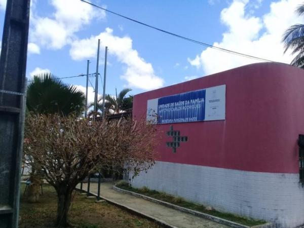 Infestação de pulgas suspende atendimento em posto de saúde de cidade da Bahia