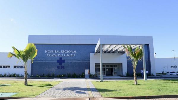 Funcionários reclamam de redução salarial e aumento de carga horária no Hospital Costa do Cacau