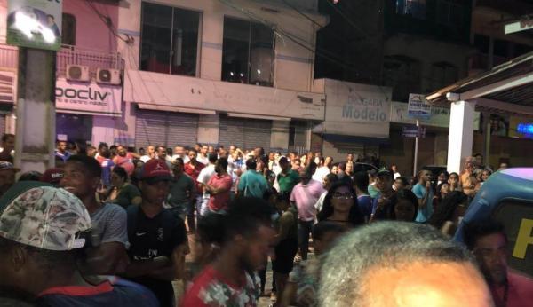 População de Wenceslau Guimarães se revolta com aumento da taxa de iluminação no município