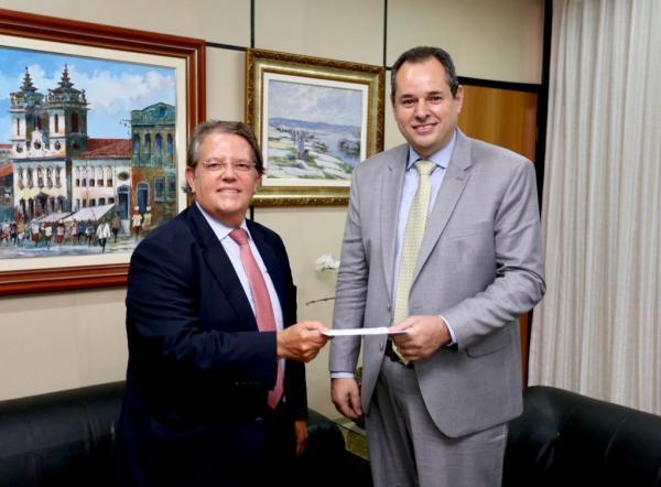 Nelson Leal recebe a visita do presidente eleito do TRE-BA