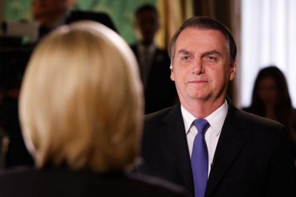 """""""Definição de família para mim é uma só, aquela da Bíblia"""", diz Bolsonaro"""