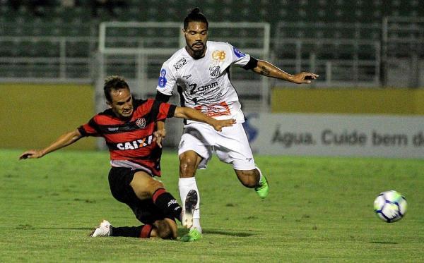 Vitória é derrotado pelo Bragantino em São Paulo.