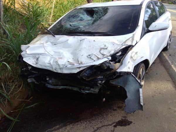 Motociclista morre em colisão com carro na BR-101 em Presidente Tancredo Neves.