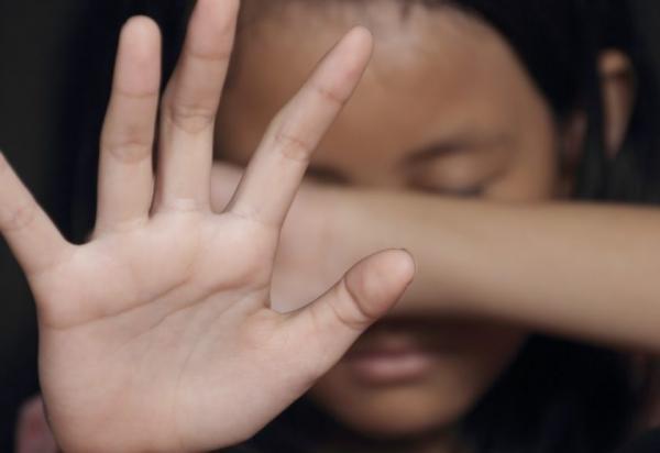 Homem é preso suspeito de estuprar filha de um ano; criança teve os órgãos genitais rompidos