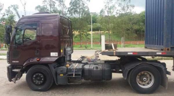 Ubaitaba | PRF recupera caminhão com restrição de furto ao atender acidente na BR 101