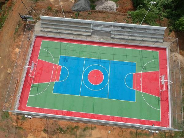 Prefeitura de Wenceslau Guimarães inaugura quadra poliesportiva em palmeira