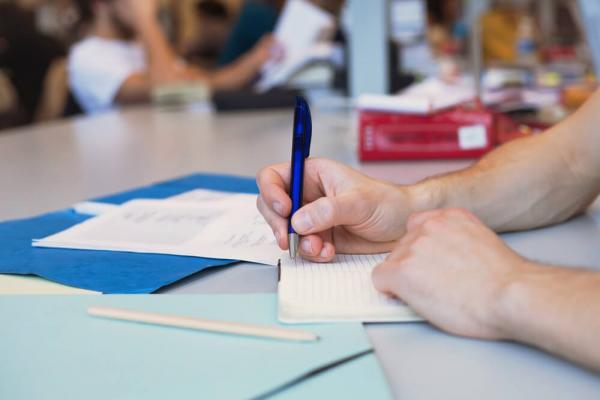 Inscrições | Prefeitura abre processo seletivo com salários até R$ 6 mil