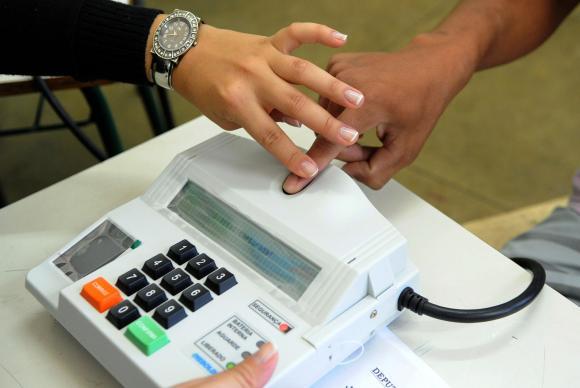 Eleitores serão convocados oficialmente pelo TRE para recadastramento biométrico