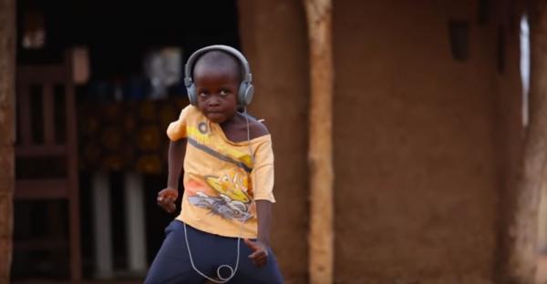 Crianças dançam ao som de Jorge Ben Jor na Zâmbia e vídeo viraliza