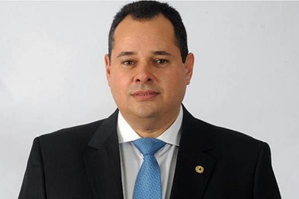 Governador em exercício, Nelson Leal recebe presidente  da Hammer, que quer investir R$ 15 milhões na Bahia