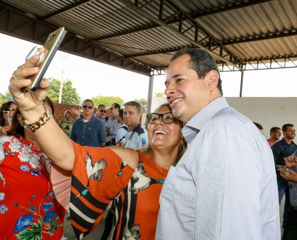 Nelson Leal visita município de Macaúbas em seu último  dia de interinidade como Governador do Estado