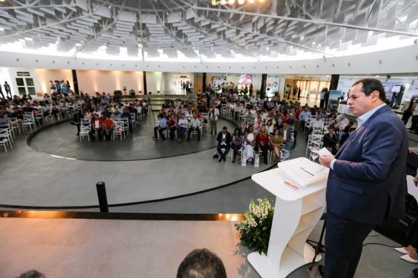 Presidente da ALBA, Nelson Leal,participa de encontro do Sindicombustíveis, em Feira, e critica conjuntura econômica