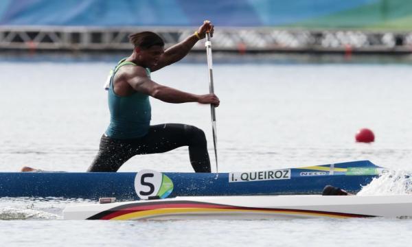 Copa do Mundo de canoagem: Isaquias Queiroz é campeão do C1 500m